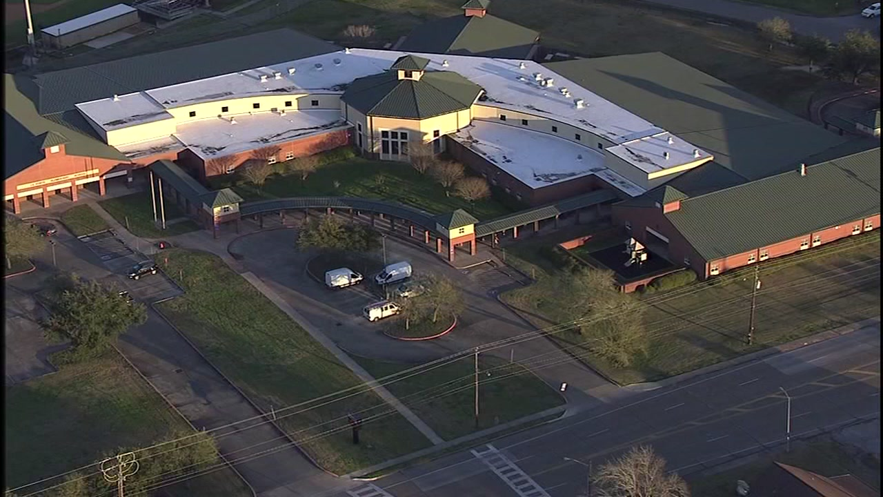 La Porte Elementary investigating suspected case of measles