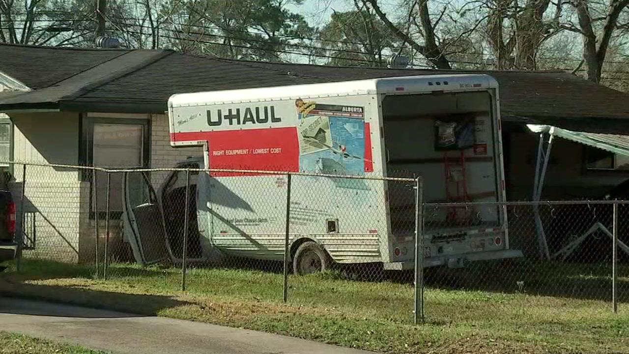 Police chase U-Haul truck