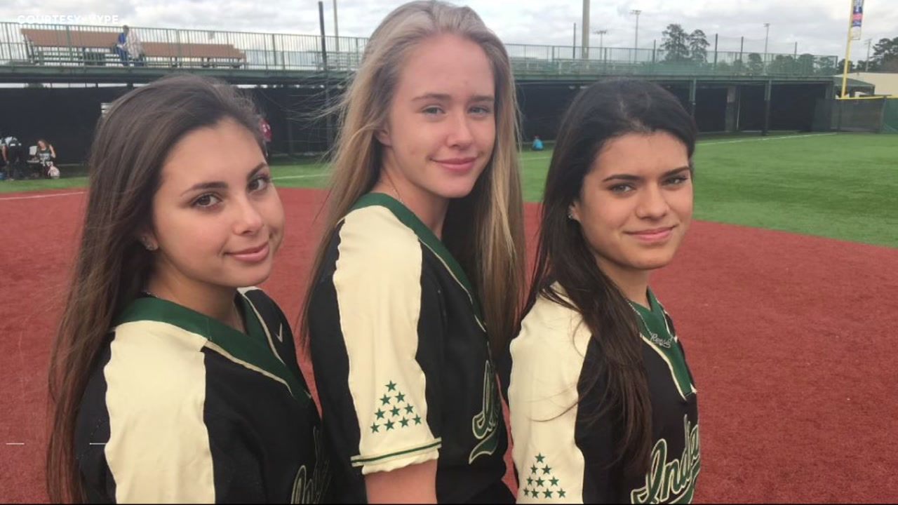Santa Fe HS team wears stars for tragedy victims