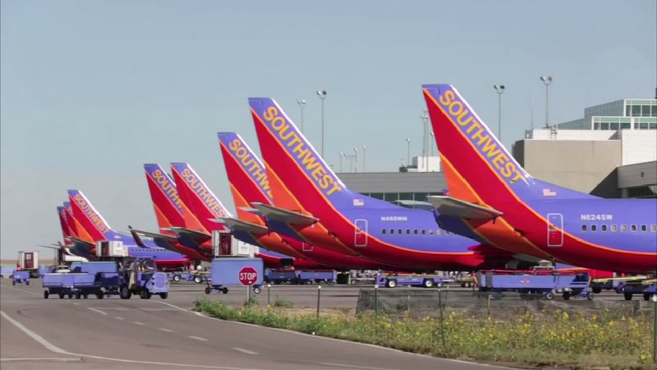 Check your flight status! Hundreds of Southwest planes are facing mechanical issues.