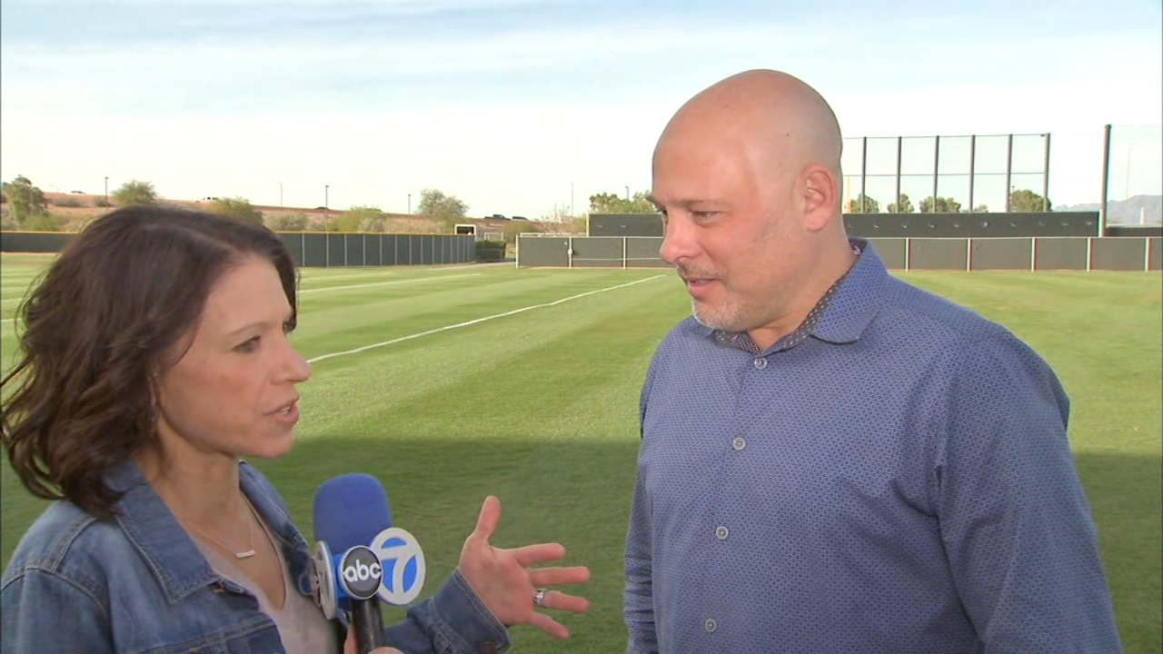 """In Monday's """"Dionne's Notebook,"""" ABC7 sports reporter Dionne Miller and ESPN.com's Jesse Rogers talked about Cubs pitchers and catchers at spring training in Arizona."""
