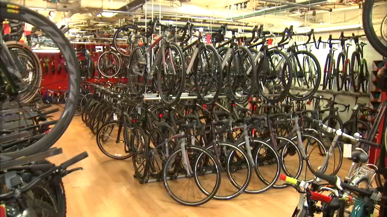 A Lincoln Park bike shop owner, who has been in business on Chicagos North Side for the last 40 years, said he may have to close after $20,000 in merchandise was stolen early Tues