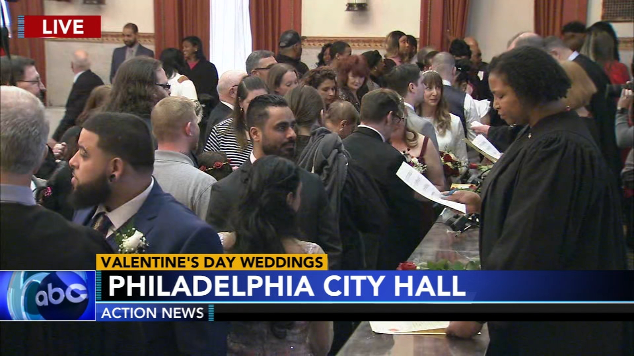 Couples day I Do in Valentines Day Extravaganza at City Hall - Rick Williams reports during Action News at noon on February 14, 2019.