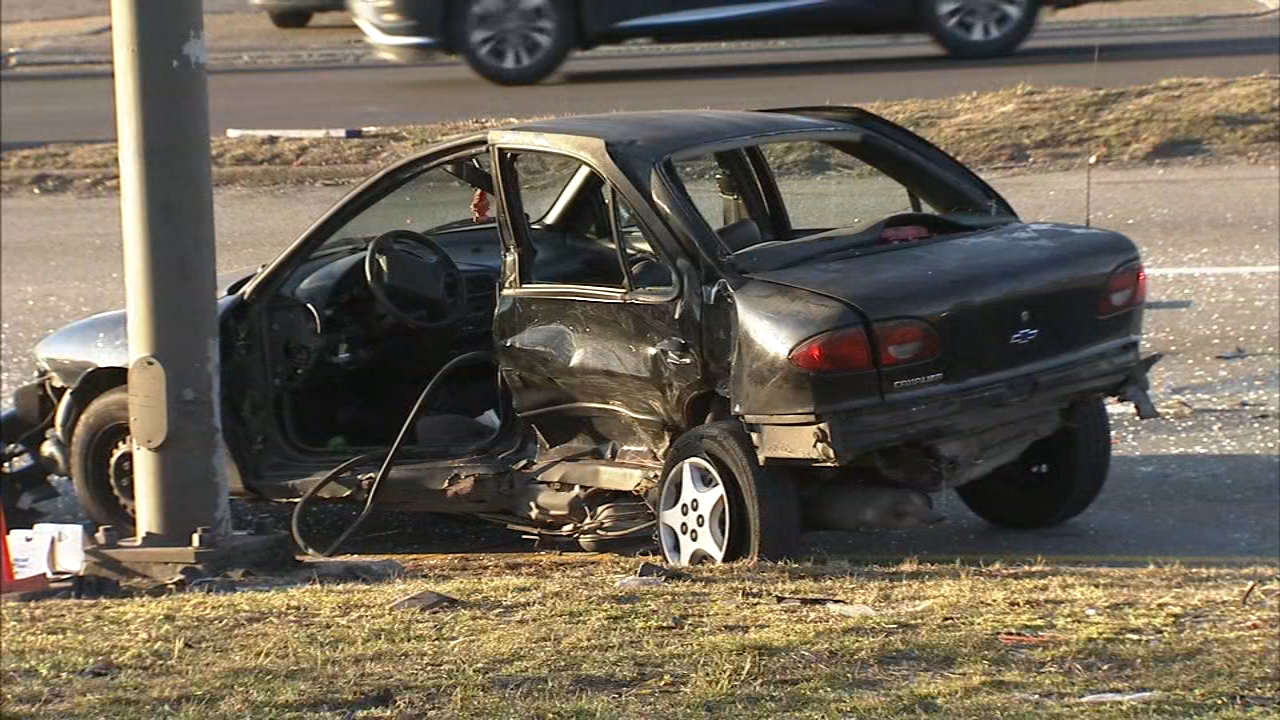 3 children, 2 adults injured in Roosevelt Blvd. crash in Crescentville. Walter Perez reports during Action News at 6 p.m. on February 16, 2019.