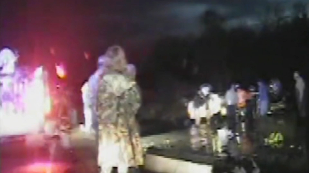 Police dashcam video captured the lifesaving rescue of three small children trapped in an overturned truck. Brian Taff has more on Action News at 4 p.m. on Feb. 18, 2019.