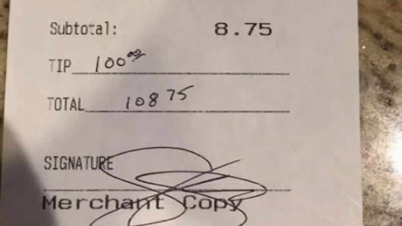 A Voorhees officer leaves a $100 tip for pregnant waitress. Dann Cuellar has more on Action News at 11 p.m. on Feb. 18, 2019.