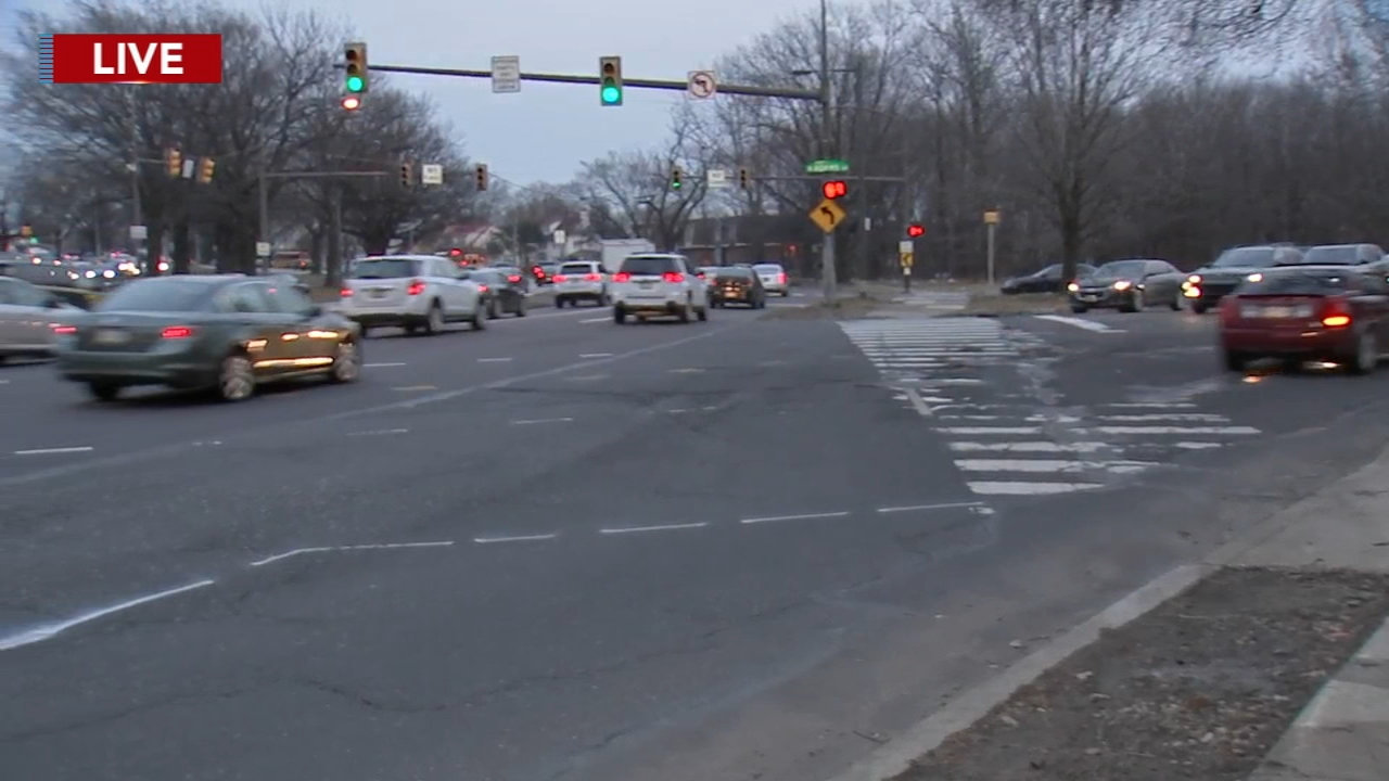 Traffic signal causing problems for pedestrians on Roosevelt Boulevard: Katie Katro reports on Action News at 5 p.m., February 22, 2019