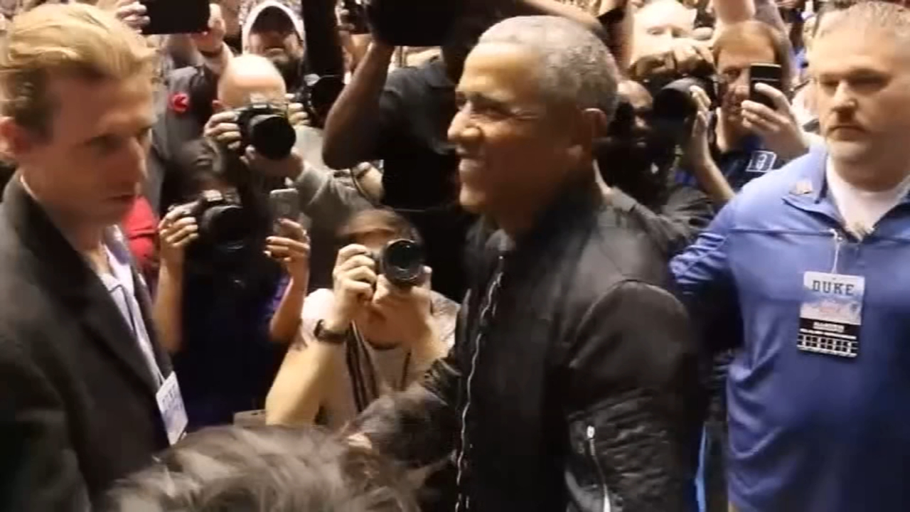 Barack Obamas 44 jacket wins over the internet. Gray Hall reports during Action News at 6 a.m. on February 23, 2019.