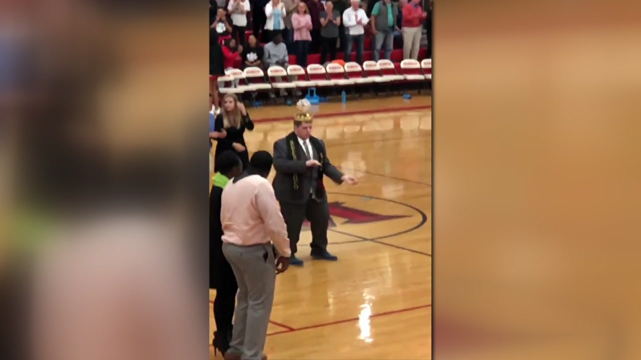 Students at South Mecklenburg High School came together to give their classmate a homecoming he would never forget.