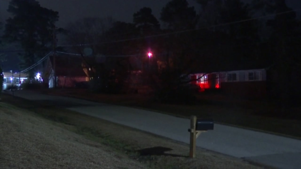 Woman defends herself, stabs Raleigh home intruder
