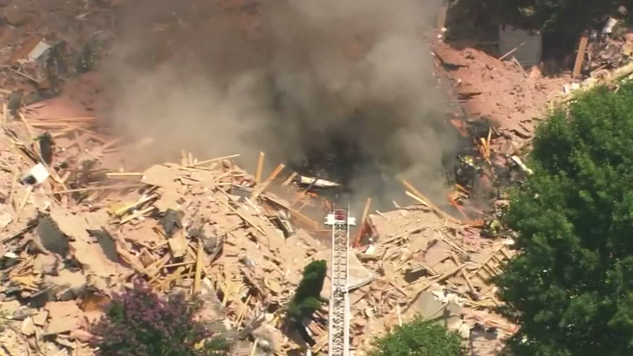 Woman killed, man survives after apparent home explosion in Charlotte